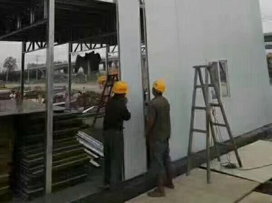 彩鋼板樓房搭建中...